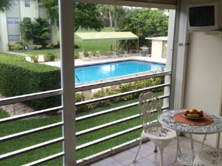 Pool Front, Golf Course View- Close to Beach!, Boca Ratón