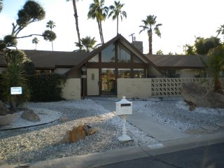 AWESOME PALM SPRINGS MID-CENTURY CHARM!, Palm Springs