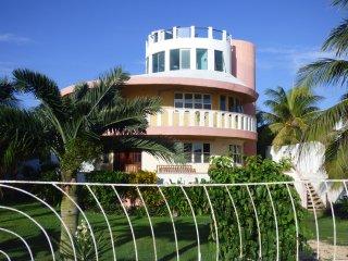 Casa Pastel - Caribbean Views Island Paradise, Isla Mujeres