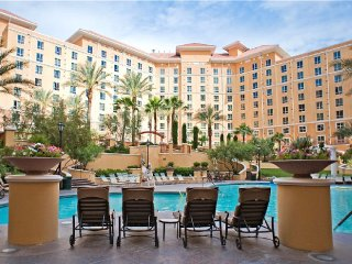 2BR Suite next to MGM Grand, Las Vegas