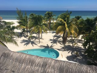 The large private beachfront property with the laguna pool, ac and WiFi, Telchac Puerto