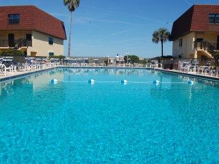 117 Cocoa Beach Club--Direct Oceanfront Nr Pier