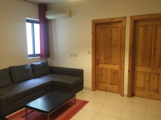 Gzira Apartment, prime location with A/C and WiFi
