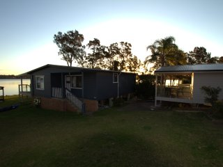 Dungowan waterfront  Cottage 2
