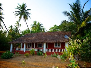 2 Bedroom Sea View House next to Patnem and Palolem Beaches