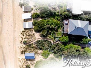 Holiday Shacks - Anchor Beachfront Retreat - Luxury Retreat, water views, WiFi,