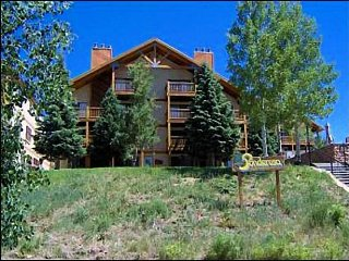 Completely Remodeled Condominium - Multiple Levels of Cozy Accommodations (1018), Crested Butte