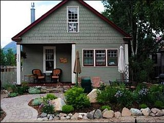 Historic Mountain Home - Quaint Cottage Style Home with Ample Room (1026), Crested Butte