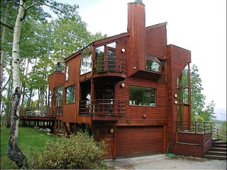Secluded & Unique Retreat, Ideal for Winter or Summer Vacations (201225)