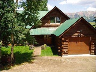 Inviting Log Home, Wonderful North-Facing Views (201237)