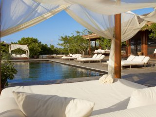 Luxury 11 bedroom Turks and Caicos villa. Private house!, Parrot Cay
