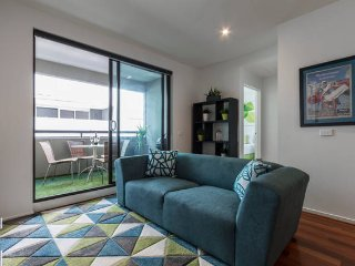 Early Bird Winter Discount! Boutique Stays - Beach Vibe in Port Melbourne