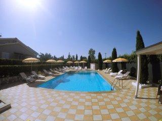 Appartamento in una Villa con piscina in Toscana, Marina di Bibbona
