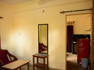 Cozy Beach Apartment with Kitchen in Morjim Goa
