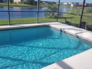 20%off 7BR LAKEFRONT ORLANDO/DISNEY VACATION HOME, Kissimmee