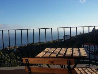 Maison Zita - Casa T1 vista serra e mar, Estreito da Calheta
