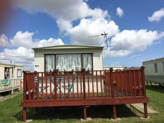 7 berth caravan to let in Ingoldmells