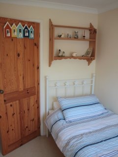 Single bedroom, harbour views