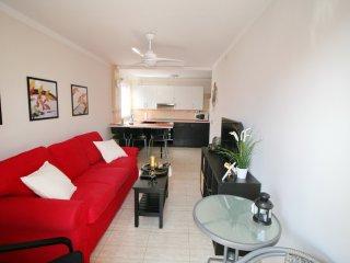 2 bedroomed apartment in Playa San Juan, sleeps 6