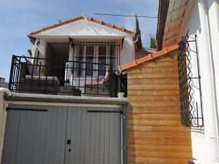 Maison de ville toute rénovée proche des Arènes !