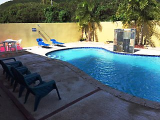 Casa Tropical-1 min to beach - Private pool, Patillas