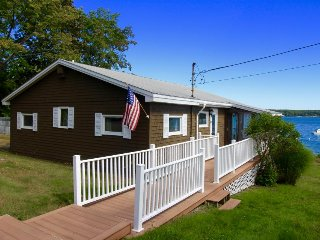 A stunning oceanfront property, just a short drive from Acadia & Bar Harbor!, Lamoine