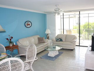 New Listing - 2 Bedroom Condo - Partial Gulf View
