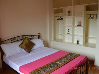 Double Bed Room with Balcony 602, Talisay City