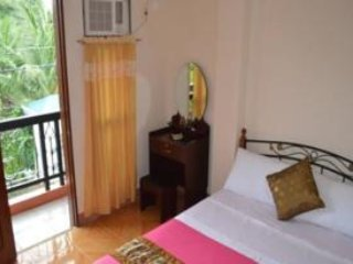Double Bed Room with Balcony 502, Talisay City