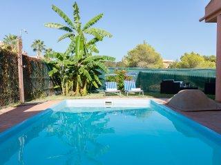 Can Blau, Villa con piscina