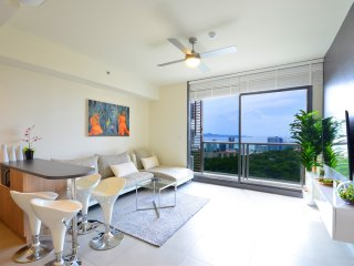 Seaview 39th Floor Luxury Condo Family Paradise