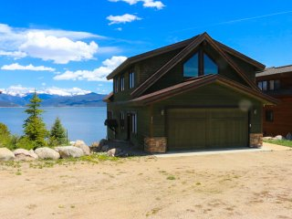 Awesome Lakefront House with Incredible Views, Granby