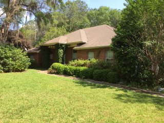 GORGEOUS, PRIVATE HOME IN UPSCALE SummerBrooke, Tallahassee