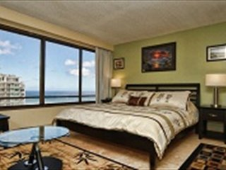 MONTHLY Discovery Bay 2810 Studio Ocean / Sunset / Marina Views King Bed, Sofa, Honolulu