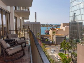 Harbor Square 10E 2 Bed Room Downtown Ocean / Harbor views, Honolulu