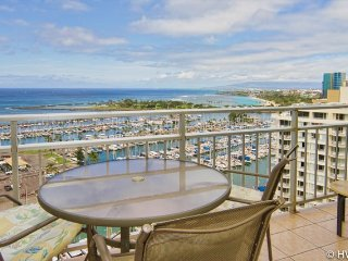 Ilikai1902 Ocean / Sunset / Marina Views Queen Bed, Sofa Bed, Honolulu