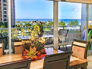 Luxury Remodel Ilikai Suites 526 2 Bed Room Ocean / Lagoon Views, Honolulu