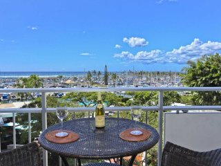 Ilikai Suites 404 Ocean / Sunset / Marina  Views King Bed, Sofa Sleeper, Honolulu