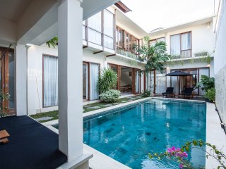 Bali Chic Premium 4 Bedrooms Villa in Central Seminyak, near Oberoi
