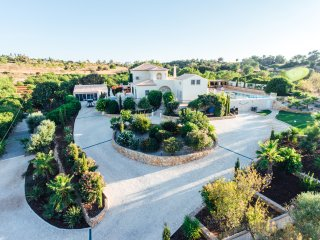 Beautiful Quinta, swimming pool & 3600m2 garden., Guia