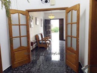 Casa Tropical con TV vía satélite, wifi y jardín, Haría
