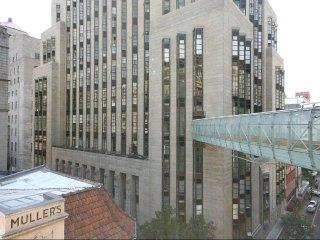 Inner City Art Deco Loft Apartment