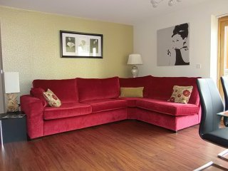 Easy to City Centre and Golf, Free WIFI and Parkin, Dublín