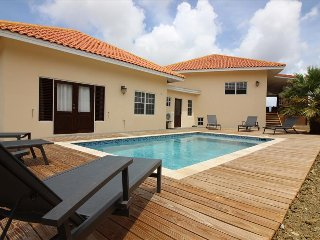 3 bedroom villa with amazing view and nice breeze at Jan Sofat, Willemstad