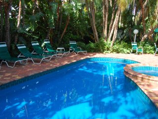 Tropical Escape 1 Br Siesta Key Inn
