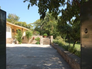 Award Winning Villa, Unique,Private, Pool, Gardens, Beaches, Maid, Very Spacious