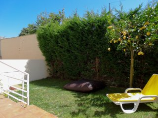 COZY HOUSE WITH LOVELY GARDEN, Vila do Conde