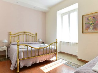Lovely & big flat close to COLOSSEO and Metro