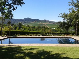 Stunning home, pool and views in Cape winelands, Stellenbosch