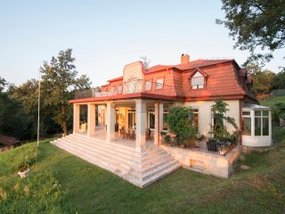Classic house 50km from Budapest, Nagymaros